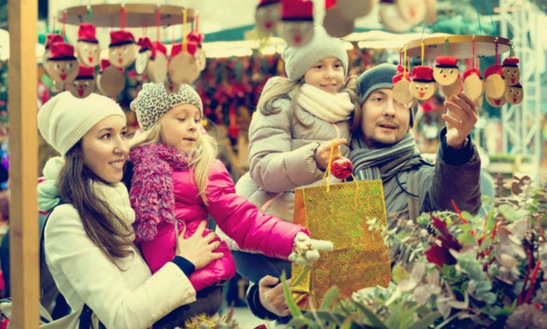 6 Tips For Couples Who Are Celebrating Christmas Apart